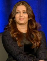 Aishwarya photo with curly wavy hairstyle.PNG