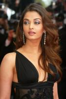 Aishwarya Rai in black dress and with her sexy layered hair