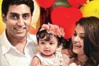 Aishwarya Rai Bachchan family picture of her husband and their daughter.JPG