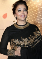 Aishwarya in her Indian black gown picture