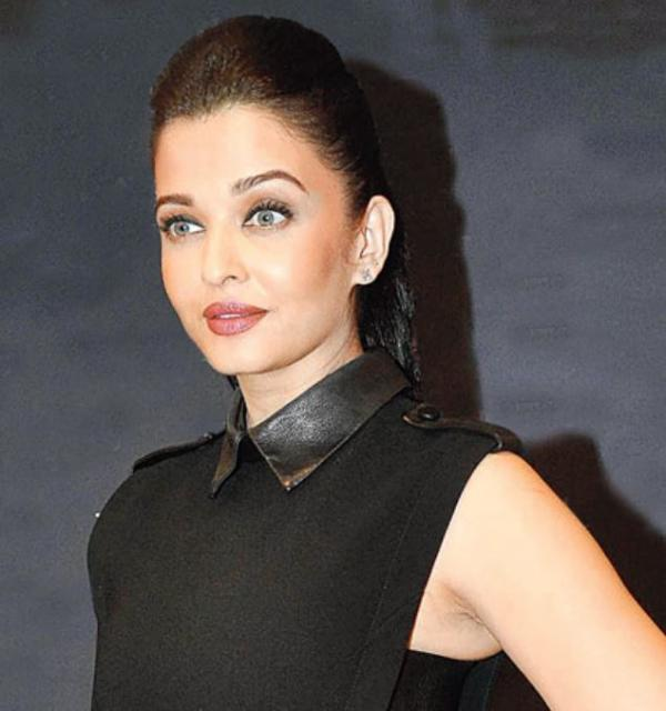 Aishwarya trendy updo photo