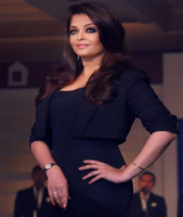 Aishwarya hot picture with her long beautiful hairstyle with waves