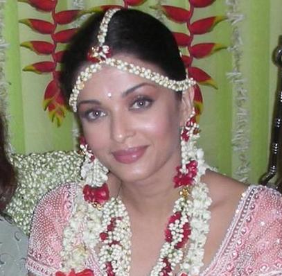 Aishwarya Rai In Her Indian Wedding Outfit