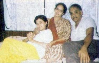 Aishwarya Rai with her parents photo