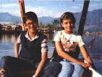 Aishwarya Rai and her brother_Aishwarya childhood picture