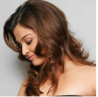 Aishwarya Rai with Curly Hairstyle Pictures