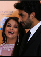 2007 IIFA Awards Ceremo with husband.PNG