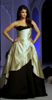 Aishwarya Rai in beautiful black and gold gown.PNG