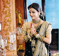 Aishwarya Rai in black Indian traditional gown with gold.PNG