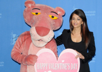"Aishwarya Rai Takes ""Pink Panther 2"" To Berlin.PNG"