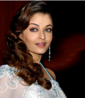 Aishwarya Rai with big curls.PNG