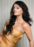 Aishwarya Rai in golden dress picture.PNG