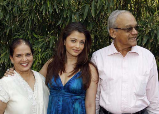 Aishwarya mom and dad.PNG