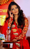 Sexy Bolloywood actress pictures of Aishwarya.PNG