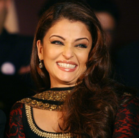 New Aishwarya Rai smiling pictures.PNG